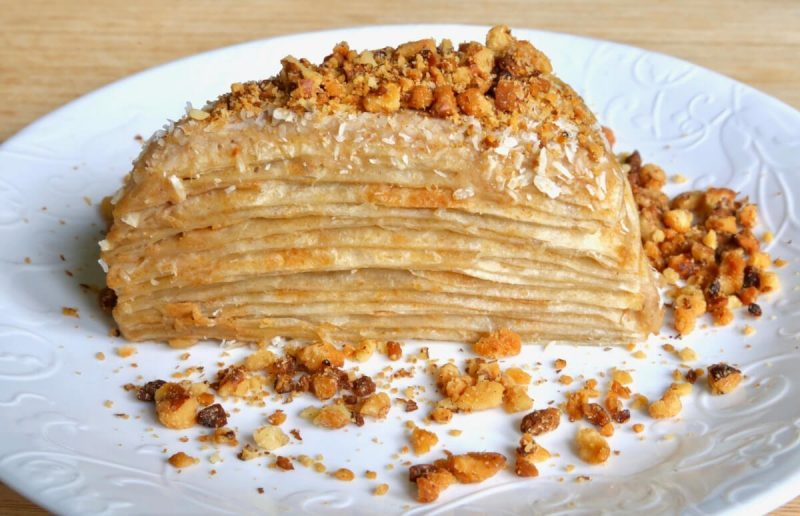 Napoleon cake with walnuts