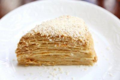 Napoleon cake with coconut